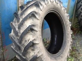 TRACTOR TYRE 480/65/28 PIRELLI TM800 RADIAL WITH 35% TREAD GOOD CONDITION £100