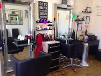 Female barber hairdresser wanted