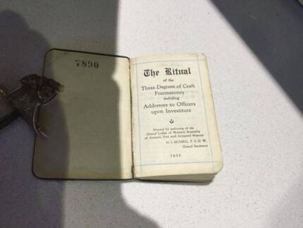 Freemasons WA Tiny Leather bound Ritual Book 1955