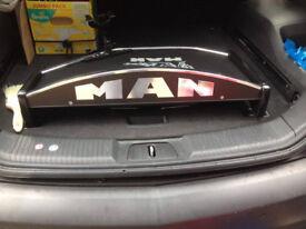 MAN TGX cab table