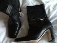 Ladies Italian leather boot size 5