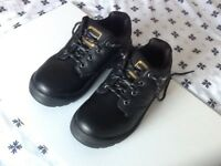 Dunlop Kansas Steel Toe Cap Safety Shoes, Size 6, as new.