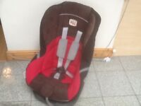 Superb thickly padded & cushioned Britax Eclipse group 1 car seat fo 9mths to 4yrs,reclines,washed