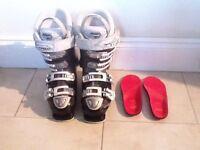 Ladies Atomic Hawk 80 ski boots size 3/4