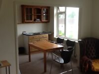Single room to rent in a shared house with two other professional people.£550 PM inclusive.