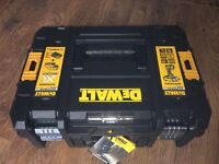 BRAND NEW-Dewalt DCF899P2 18v BRUSHLESS Impact Wrench With TSTAK case, charger and 2x 5ah battery's