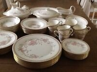 Royal Doulton Romance Collection Lisette Dinner & Tea Service