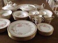 Royal Doulton Romance Collection Lisette Dinner & Tea Service