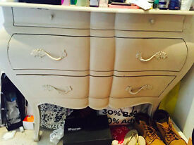 French Lyon Bombe Chest of Drawers (Beige/Champagne matte finish)