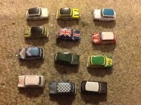 12 mini toy cars