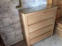 Light wood set of drawers