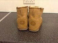 EMU boots, brand new, never worn, perfect.