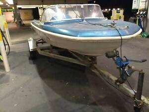 Cheap regoed Runabout/ski boat. No issues Ingle Farm Salisbury Area Preview