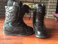 DC snowboarding boots size 6.5