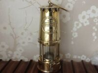 SOLID BRASS PROTECTORS LAMP TYPE SL,B/120 & WW2 SOLID BRASS SHELL CASING ,GOOD CONDITION