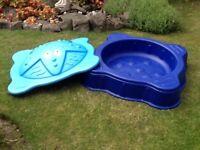 Childs sand box / paddling pool