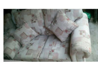 BEAUTIFUL 2 SEATER SOFA AND CHAIR WITH MATCHING SCATTER CUSHIONS VERY COMFY NICE DESIGN SEE BELOW