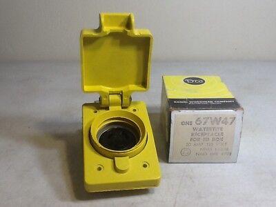 120//208-Volt 3PY Watertite Locking Receptacle Cover Woodhead 67W09 20-Amp
