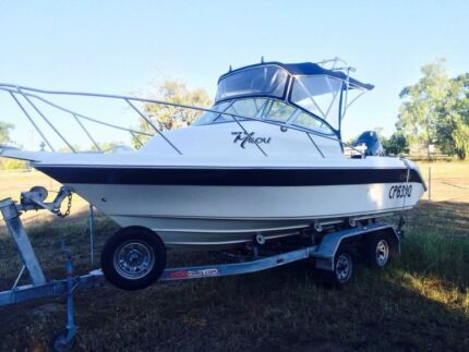 Perfect reef boat Collinsville Whitsundays Area Preview