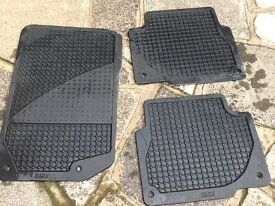 BMW rubber car mats two rear one front