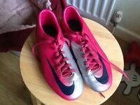 Girls nike football boots