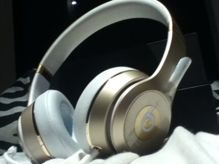 Gold metal beats by dre solo  Coomera Gold Coast North Preview