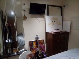 Single or double studio flat in Willesden Green