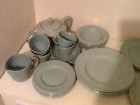 Vintage crockery (Beryl ware - 35 pieces)