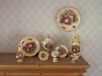Aynsley China Orchard Gold 9 pieces
