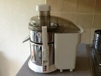 Juice lady juicer by Russell Hobbs