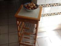 Vegetable rack, excellent condition, not too large.