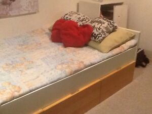 Twin bed with 3 drawers