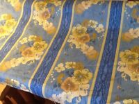 Roll of material / curtain fabric