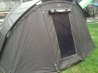 Fishing/carp gear/tackle/Trackker 1 man Bivvy with mozzy net, winter skin , groundsheet and pegs