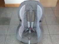 Maxi Cosi Priori group 1 car seat in 2 tone grey for 9kg to 18kg(9mthsbto 4yrs)washed and cleaned