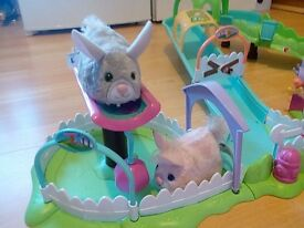 FurReal Friends, 2 x Playsets- Furry Frenzie= Scoot& Scurry City & Bumper Mcbones Carrier