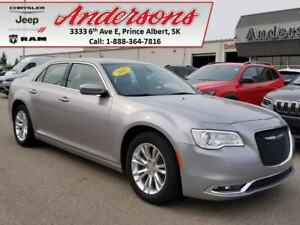 2017 Chrysler 300 Touring *Low KM/Nav*