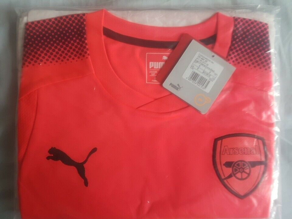 newest 66d94 bdfe9 Arsenal Puma 2017/18 GK Pink Short Sleeves Small BNWT | in Kennington, Kent  | Gumtree