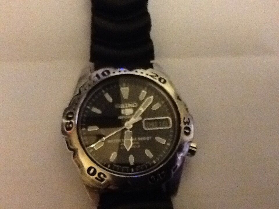 Seiko5 sport divers watchin AberdeenGumtree - Seiko divers watch10 bar 23 jewels model 7s36 oogo kinetic very good condtion keeps perfect time and a very good Lume email if interested £120 no offers sorry tel 01224896714