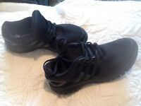 Black adidas trainers lightweight size 5 in vgc worn once
