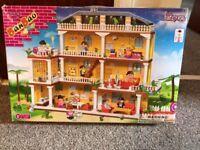 Building blocks hotel