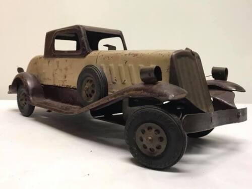 Antique Girard Wind Up Pressed Steel Car