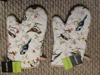 Pair of oven gloves - New