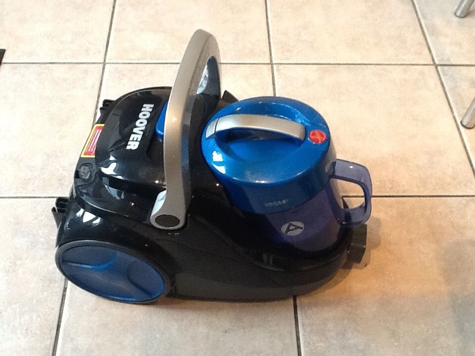 Brand new Cylinder Hooverin Martham, NorfolkGumtree - Cylinder Hoover Blaze 8P81. 850w Bag less, weight 4.9 kg 3 attachment tools including pet turbo brush. Extension hose 1.5 metres. Retractable cable and carrying handle. Brand new, not used