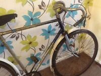 Vintage gents Raleigh 1950-60 racer .need a good tidy or restore or fixie