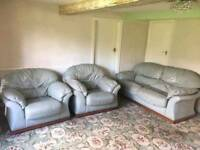 Can deliver 3 piece suite 3 seater arm chair sofa couch