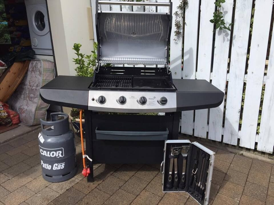 blooma ultar four burner gas bbq with accessories in carrickfergus county antrim gumtree. Black Bedroom Furniture Sets. Home Design Ideas