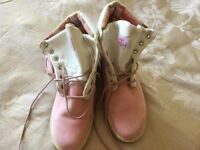 Ladies Rolltop Timberland Boots