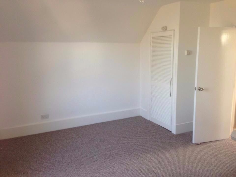 Large 1 bed flat in Croydon £975 pm