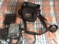 JVC gr-dvxe digital video camera